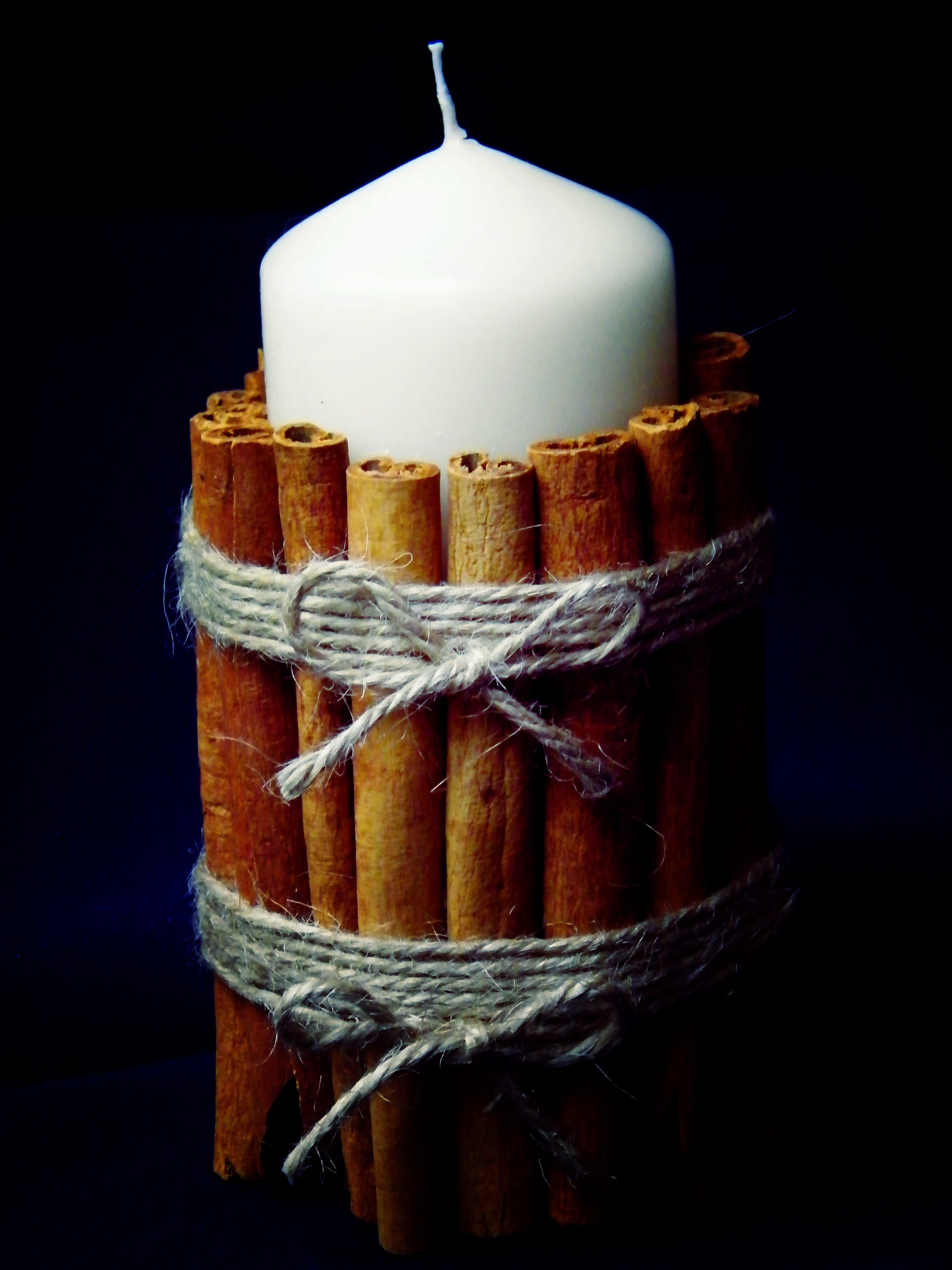 Decorating candles with cinnamon sticks   Dried Flower Crafts