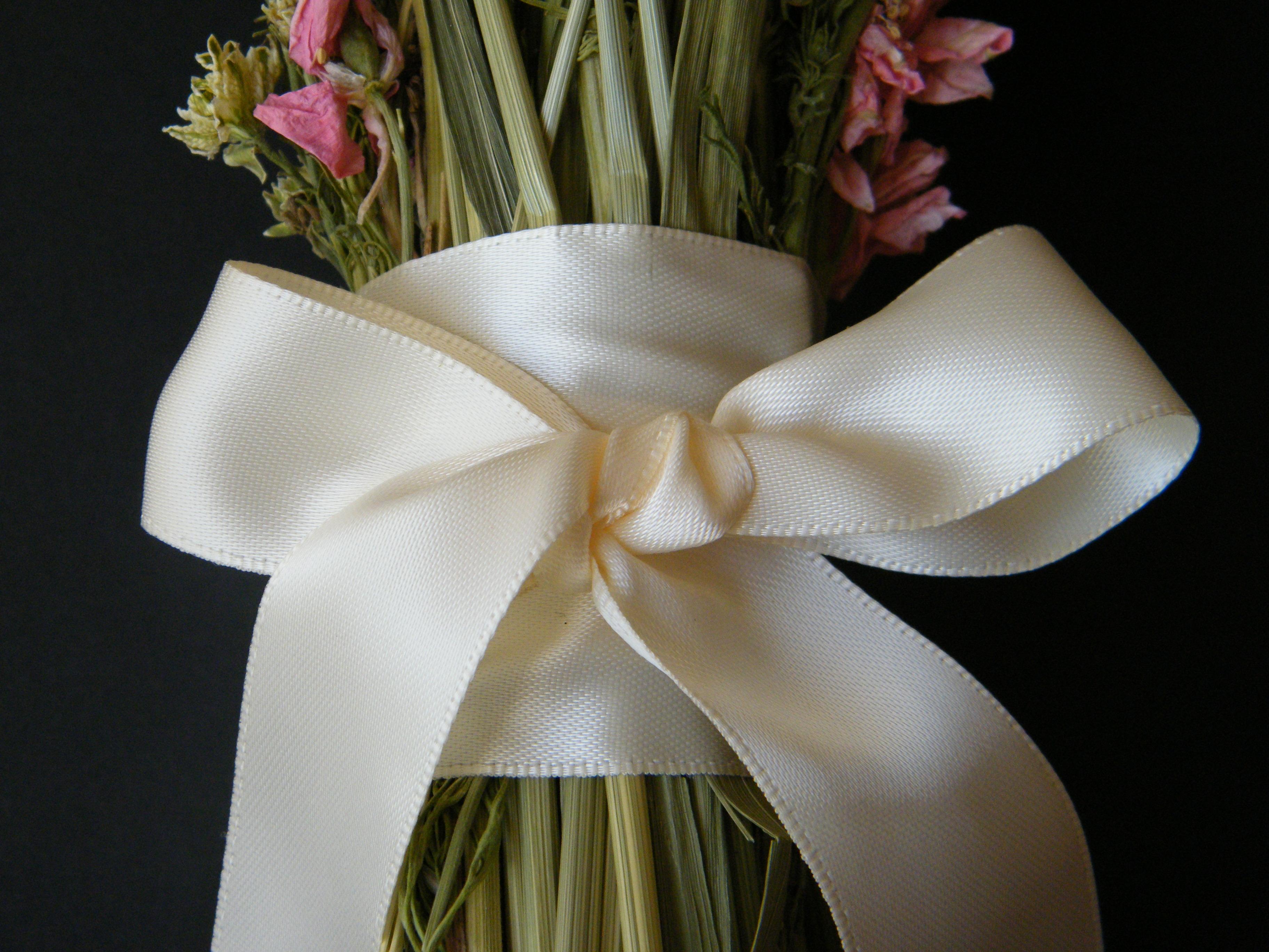 Make A Pink Dried Flower Bouquet Dried Flower Crafts